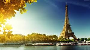 برج إيفل أبرز المعالم السياحية الشهيرة في العالم