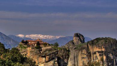 """أكبر وأهم مجمعات الأديرة """"ميتيورا"""" في اليونان"""